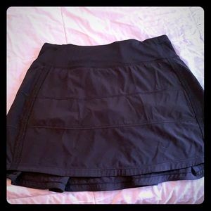 Lululemon pace rival skirt. Size 2 tall.